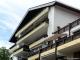 ROOMS4 - Sonnige 2 Zimmerwohnung mit gr. Balkon und Seeblick - Ansicht Balkonseite