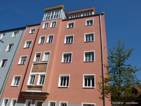 ROOMS4 – top 3 Zimmer Wohnung mit großem Balkon, Lift in charmanten Stadthaus, 90461 Nürnberg, Etagenwohnung