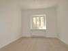 ROOMS4 - top 3 Zimmer Wohnung mit großem Balkon, Lift in charmanten Stadthaus - Wohnzimmer unmöbliert
