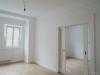 ROOMS4 - topmodernisierte 4,5 Zimmer Wohnung mit Altbaucharme, großem Balkon und Glaslift - mit alter Schiebetüre
