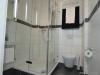 ROOMS4 - 4,5 Zimmer Wohnung mit Altbaucharme, Lift und Balkon im Glockenhof - Duschbad