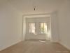 ROOMS4 - 4,5 Zimmer Wohnung mit Altbaucharme, Lift und Balkon im Glockenhof - Wohnzimmer unmöbliert