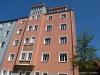 ROOMS4 - topmodernisierte 4,5 Zimmer-Wohnung mit Gartenanteil - Hausansicht