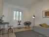 ROOMS4 - topmodernisierte 3 Zimmer Wohnung mit Balkon und Lift in charmanten Stadthaus - Schlafzimmer