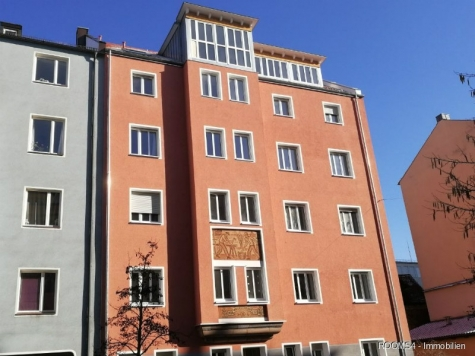 ROOMS4 – 4 Zimmer Dachgeschoß Wohntraum mit großer Terrasse und Balkon, 90461 Nürnberg, Dachgeschosswohnung