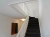 ROOMS4 - Charmantes MFH mit Ausbaureserve Dach- und Spitzboden in ruhiger, zentraler Lage in Grünwald - Treppenhaus