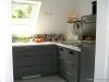 ROOMS4 - Charmantes MFH mit Ausbaureserve Dach- und Spitzboden in ruhiger, zentraler Lage in Grünwald - Küche Dachgeschosswohnung