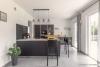 ROOMS4-Repräsentative Villa für ruhiges gesundes Wohnen in begehrter Lage in Waldperlach - Große Küche