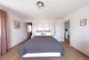 ROOMS4-Repräsentative Villa für ruhiges gesundes Wohnen in begehrter Lage in Waldperlach - Schlafzimmer mit Ankleide